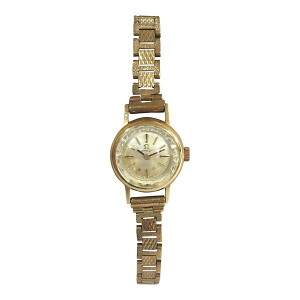 Beautiful 9ct Yellow Gold Omega Ladies Vintage Watch