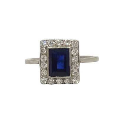 Vintage Art Deco Square sapphire & diamond ring