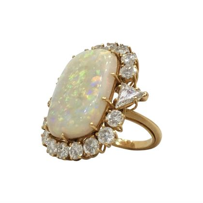 Vintage Art Deco Large opal & diamond ring