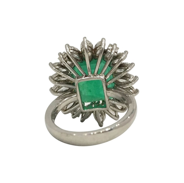 Vintage 1940s Emerald and Diamond Flower Design Ring