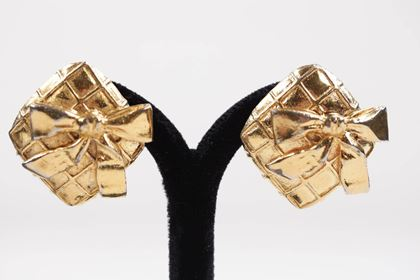 Picture of Chanel Vintage Quilted Gold Metal Clip On Earrings Bow Detail W/ Box