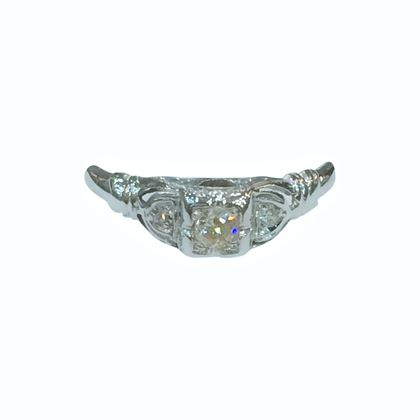 Vintage Art Deco Diamond and 18 Carat White Gold Ring