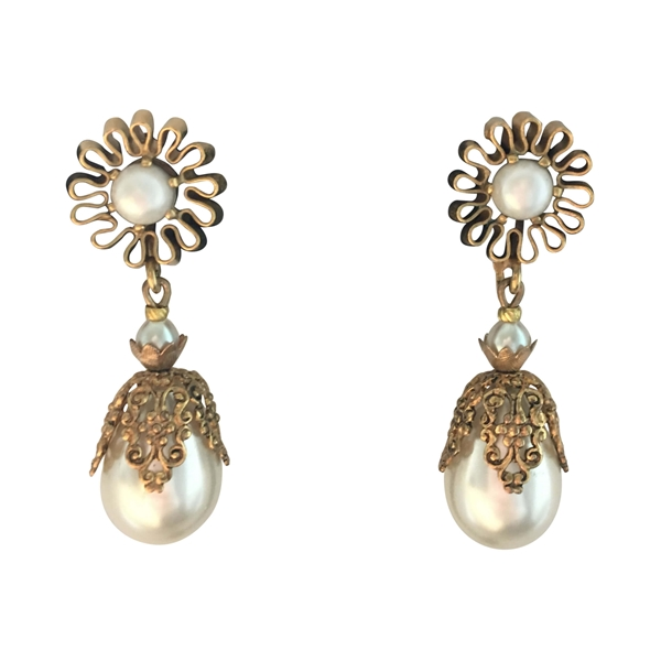 Miriam Haskell 1950s daisy motif faux pearl gilt vintage earrings