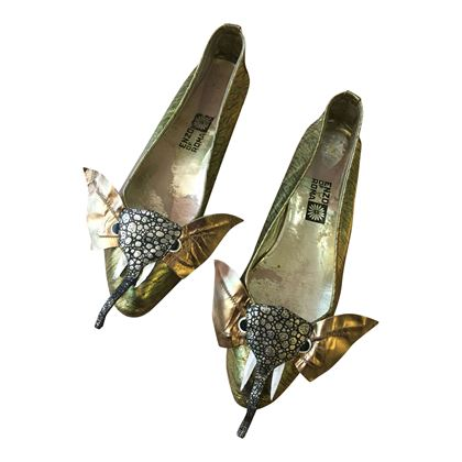 Enzo of Roma 1960's gold elephant theme vintage ladies shoes