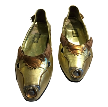 Enzo of Roma 1960s Golden bull EMBELLISHED VINTAGE FLAT SHOES