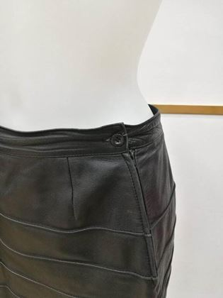 Genny by Gianni Versace 1980s Ribbed Leather Black Mini Skirt