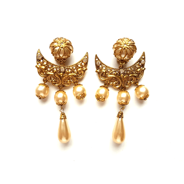 Vintage 1980s Statement baroque pearl vintage earrings