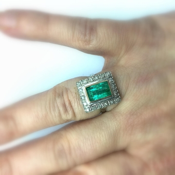 Antique Art Deco era Emerald 14ct gold & diamond ring