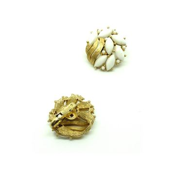 Trifari 1950s White Brooch & Earring Set