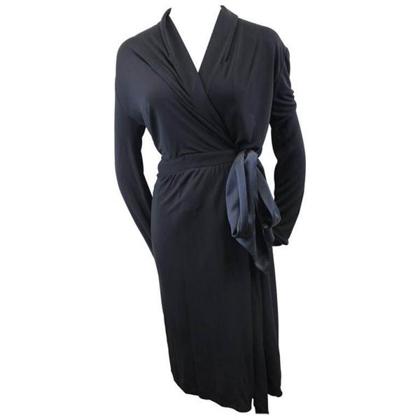 037a06e46ff Yves Saint Laurent Black Dress with Closing Ribbon. Size S