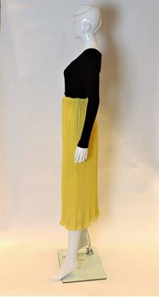Lolita Lempika 1970s Pleated Yellow Vintage Midi Skirt