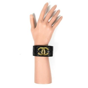Chanel 1997 Leather Quilted CC Logo Gold vintage cuff bracelet