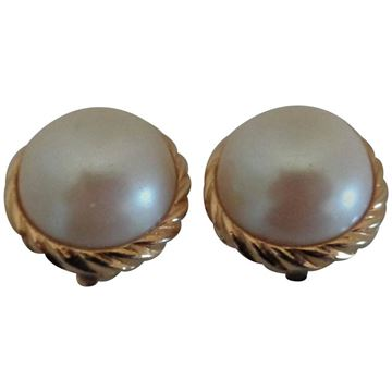 Sarah Coventry Gold Fone Faux Pearls vintage Clip On Earrings