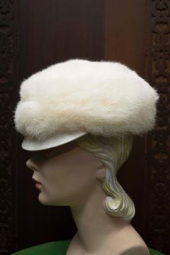 Vintage 1960s Mod Peaked White Rabbit Hat