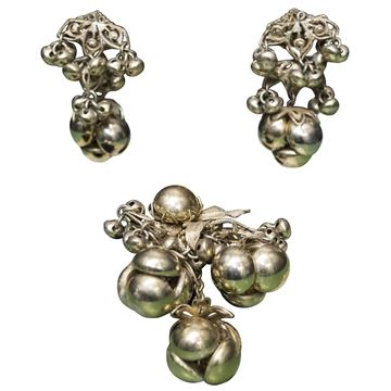 Miriam Haskell 1950s Berry and Leaf Brass Vintage Brooch and Earrings Set