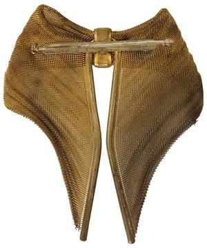 Vintage 1940s Bow Shaped Gold Tone Mesh Brooch