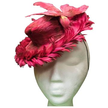 Vintage 1940s Fuchsia Feathered Toy Hat