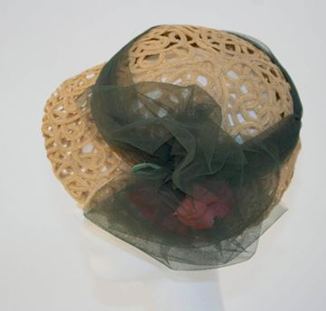 Vintage 1930s Straw Ribbon Hat with Tulle Band