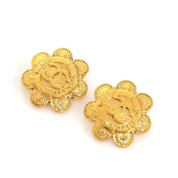 Chanel Gold Tone Flower Motif Vintage Clip On Earrings