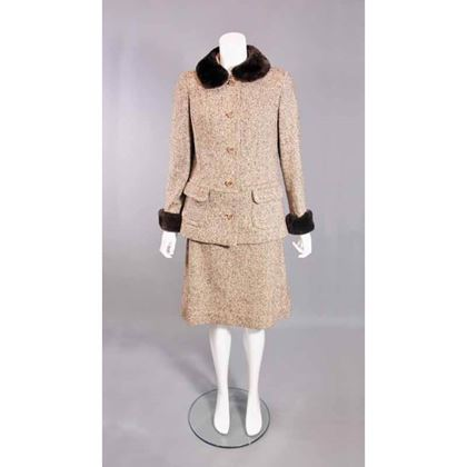 chic-vintage-1960s-wool-skirt-suit