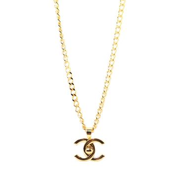Chanel 1990s Gold Tone Turnlock Clasp Pendant Necklace