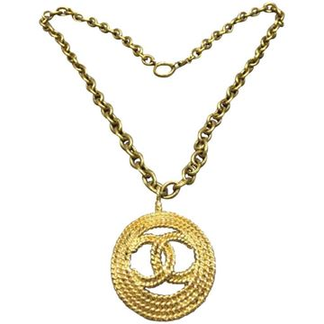 vintage-chanel-gold-toned-plated-metal-round-rope-cc-pendant-necklace
