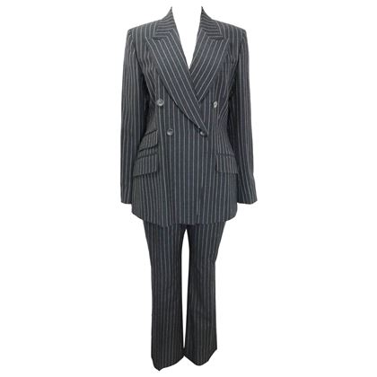 gucci-by-tom-ford-black-and-white-pinstripe-wool-double-breasted-pants-suit
