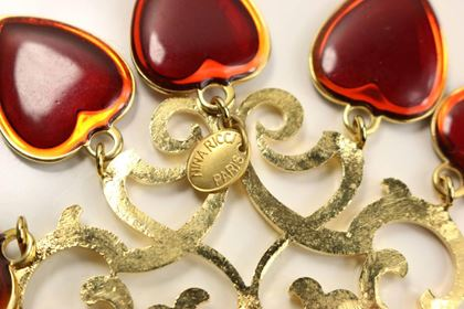 nina-ricci-red-heart-gold-toned-statment-clip-on-earrings