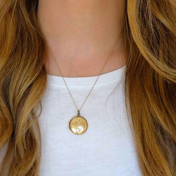 vintage-1930s-round-gold-locket-necklace