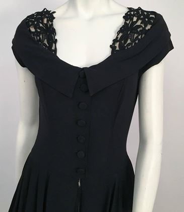 40s-black-crepe-a-line-dress-w-lace-collar-detail
