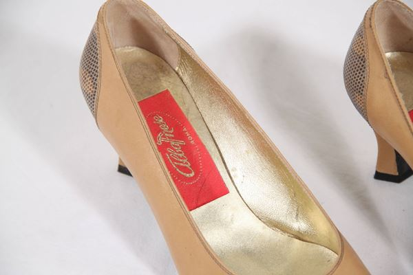 Albanese Beige Leather Vintage Pumps