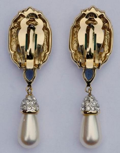 Vintage 1980s Gold Tone Clip On Crystal Faux Pearl Drop Earrings