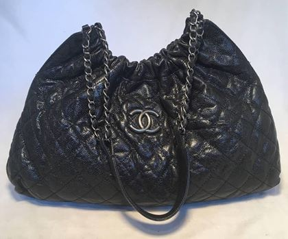 chanel-black-quilted-caviar-shoulder-bag