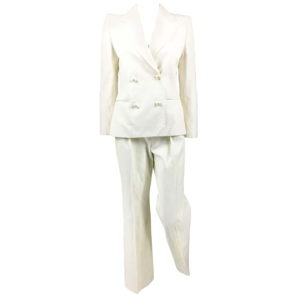 chanel-runway-white-trouser-suit-with-pearl-cabochon-buttons-2001