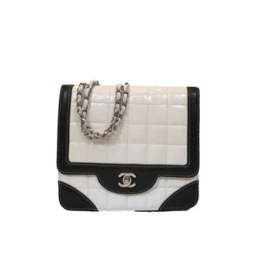 Chanel Flap Bag In Black Leather And White Patent Leather