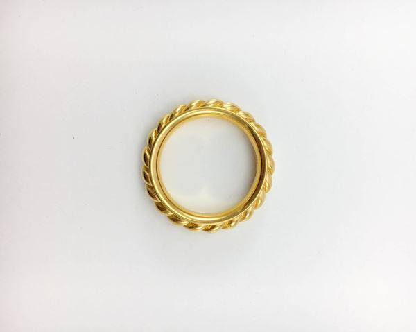 hermes-gold-plated-ribbed-scarf-ring-2000s