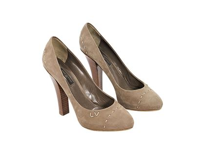 brown-louis-vuitton-suede-pumps-7-brown