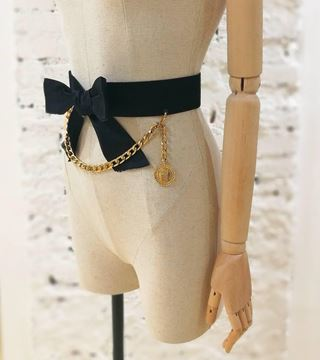 chanel-vintage-bow-and-gold-tone-chain-belt-l