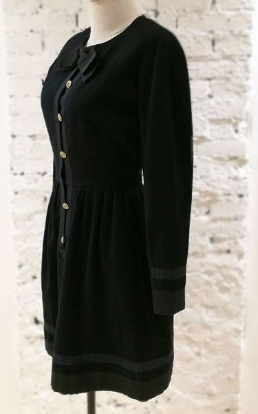 chanel-black-wool-gold-tone-bottons-dress-l