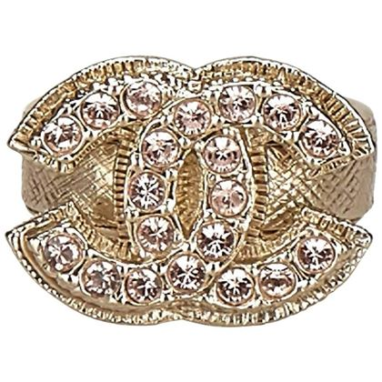 chanel-gold-toned-with-pink-rhinestone-studded-ring