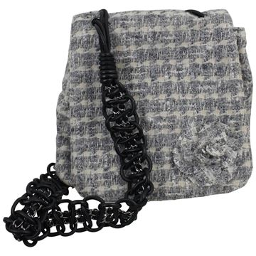 chanel-tweed-camelia-messenger-bag-seen-in-2005-catwalk-look-21