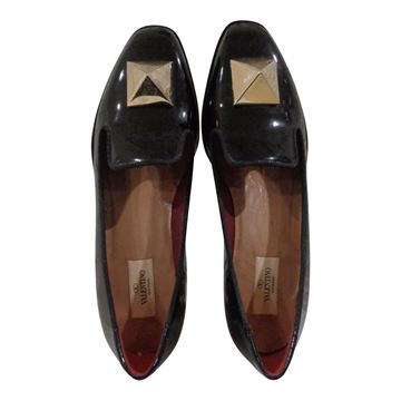 Picture of Valentino black vernis leather rockstuds loafer