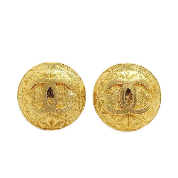 chanel-round-coco-gold-earrings-3