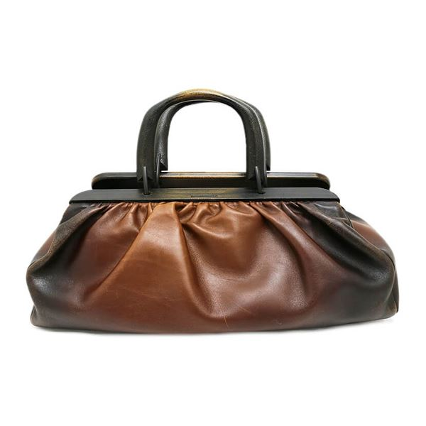 gucci-wood-handle-leather-hand-bag