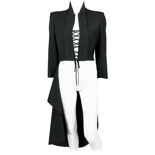 alexander-mcqueen-runway-the-dance-of-the-twisted-bull-matador-black-jacket-2002