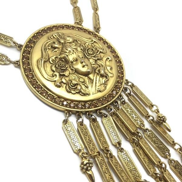goldette-1960s-vintage-art-noveau-inspired-medallion-necklace