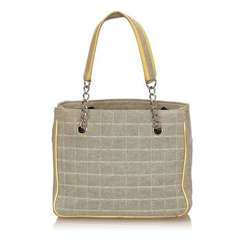 Beige Chanel Camellia No. 5 Tote bag in Beige