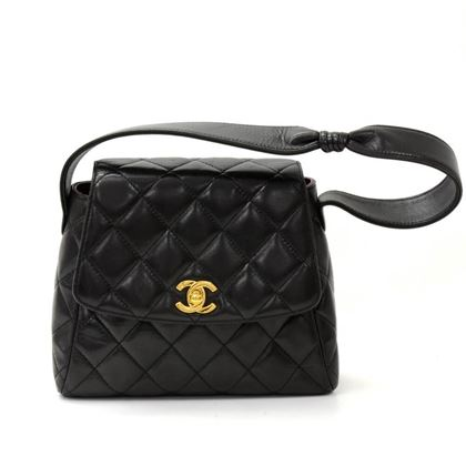 chanel-8-flap-black-quilted-leather-mini-hand-bag