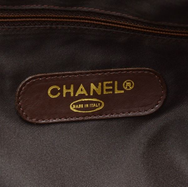 vintage-chanel-boston-brown-leather-xltravel-bag-strap