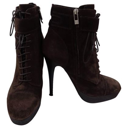 yves-saint-laurent-brown-suede-boots-2
